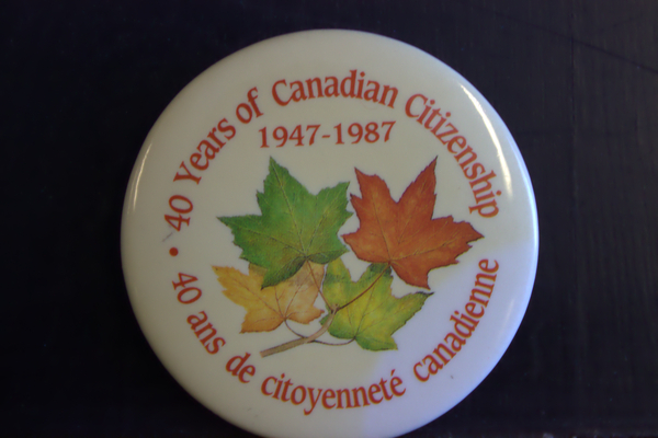 40 years of Canadian citizenship button