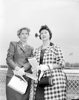 Woodbine Racetrack : fashions on opening day