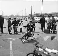 Applewood Village, Ont. : Bike and Trike Racing Meet