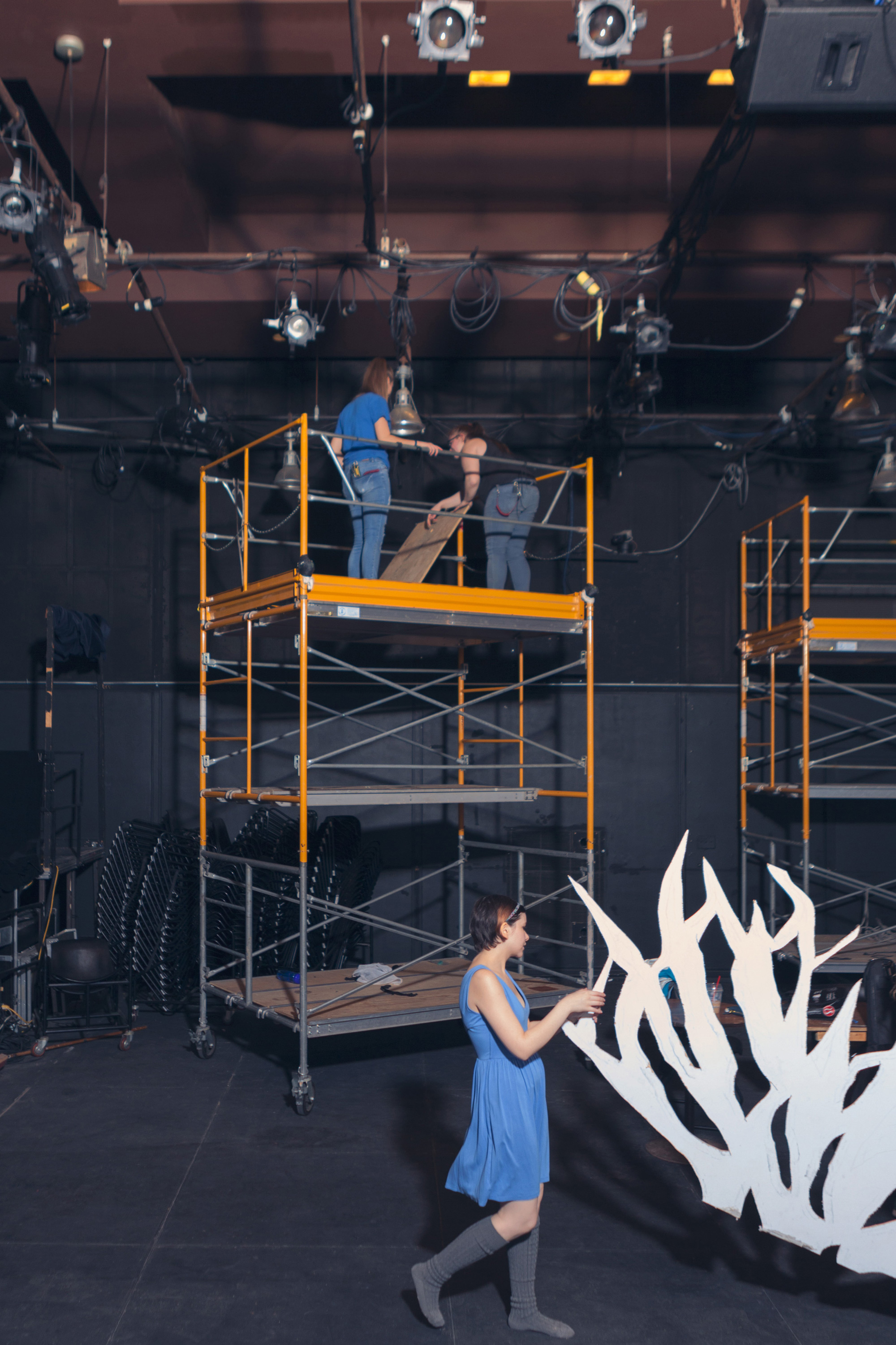 Students preparing a stage for a Glendon Theatre production