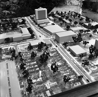 Spadina Ave. : Model of new building