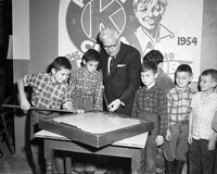Mayor Nathan Phillips : At boys K club
