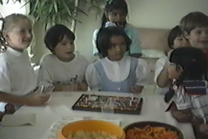 Jog family videos : birthday party