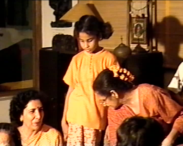 Zaidi family videos : Singing folk songs and playing the dhol