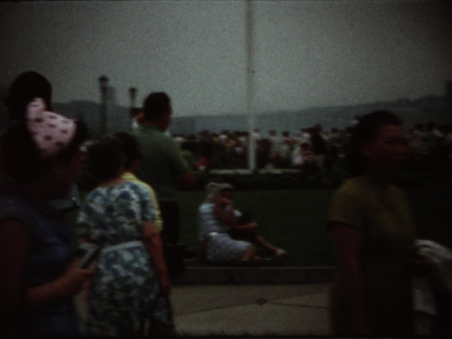 Chen family videos : 1968 Niagara Fall (before accident)