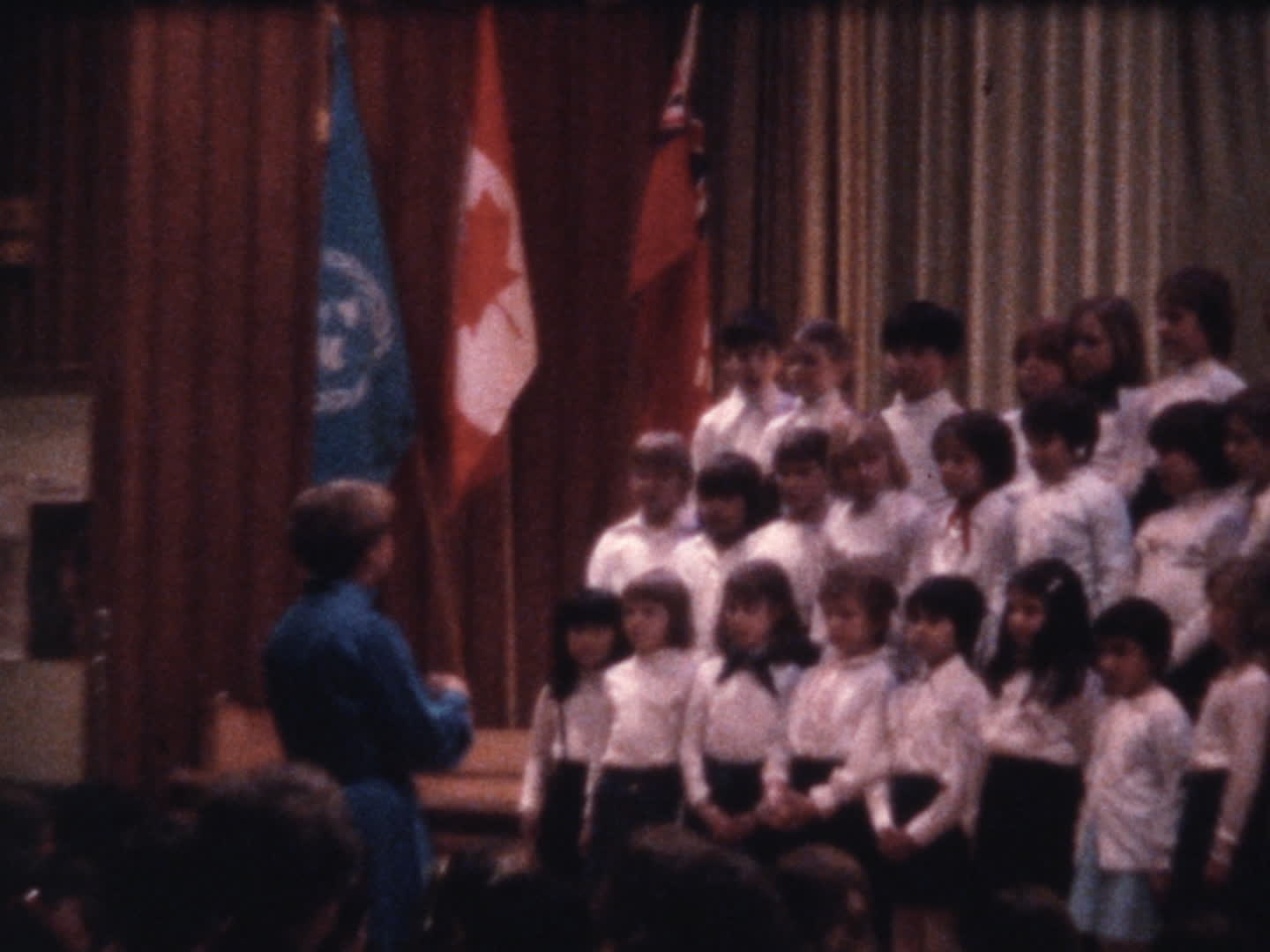 Chen family videos : Cecilia Runnymede School, Sings the Rainbow 1977