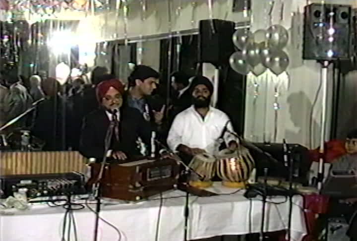 Singh family videos : Bijay's Wedding (2) Civil Ceremony, Ghori, Cocktail Reception : singing at my son's wedding