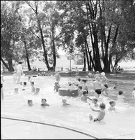 Long Branch, Ont. : Swimming at Marie Curtis Park