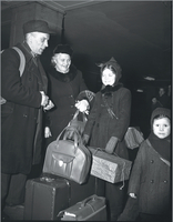 Immigrants : at Union Station
