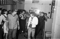 Beatles : Crowd outside rear entrance to Maple Leaf Gardens