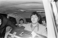 Beatles : Arrival at Malton : With customs men : In car : Pattie Boyd etc. : Reed negs
