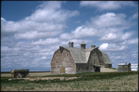 Abandoned 1922-built barn near Gravelbourg