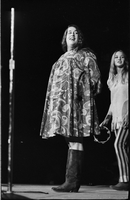 Cass Elliot (left) and Michelle Phillips (right) in performance with The Mamas and the Papas at Maple Leaf Gardens