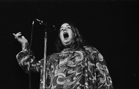 Cass Elliot in performance with The Mamas and the Papas at Maple Leaf Gardens