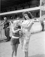 Old Woodbine Racetrack : fashions at fall opening