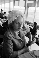 Old Woodbine Racetrack : fashions