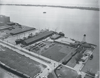 Air views, waterfront : ocean liners around Pier 4