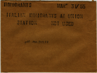 Immigrants : Italian immigrants at Union Station [not used]