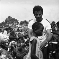 Biafra, Africa : Abie Nathan, the rabbi of Biafra with child from village of Umuahia
