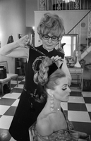 Hairstyling : Vicki Runge salon