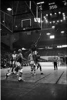 Basketball : Harlem Globetrotters and city council