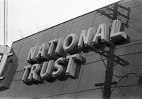 National Trust Co. : Yonge at Fairlawn : Robbery