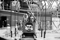 CNE : [Kids on roller coaster]