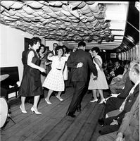 Greek-Macedonian Groups : Dancing Cruise